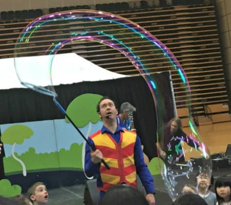Bubble Magic show kids Family Entertainer